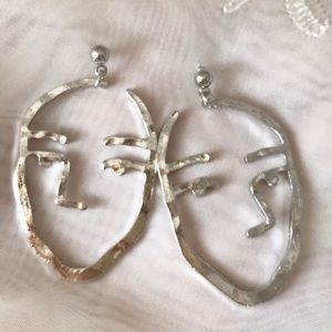 ☀️NEW☀️Face Earrings silver
